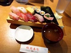 池袋キャバクラはちみつくろーばー みぃ 寿司ランチ