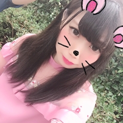 池袋キャバクラはちみつくろーばー しいな ピンクの服