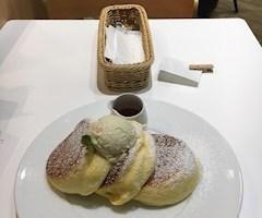 池袋JK制服キャバクラ【はちみつくろーばー】うづき パンケーキ