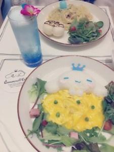 池袋JK制服キャバクラ【はちみつくろーばー】いっき シナモンロールカフェ