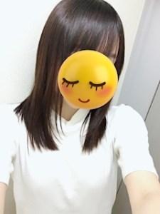 池袋JK制服キャバクラ【はちみつくろーばー】髪の毛サラサラ