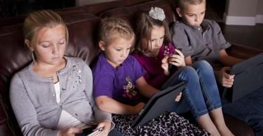Поведение детей страдает из-за мобильных устройств
