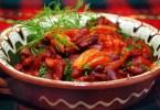 Фасоль, запечённая с томатом