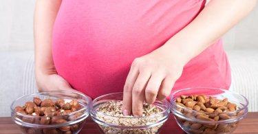 Неправильный рацион во время беременности грозит проблемами с психикой у ребенка