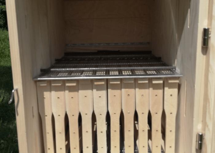 Inside a 20 frame hybrid AZ hive