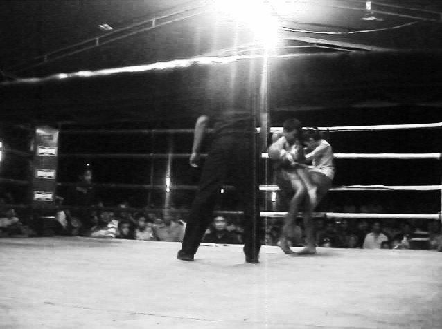PhetJee Jaa - Knee - female fighter - Black and White