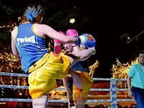 Sylvie vs Saya Ito - crunch block