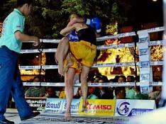 Sylvie vs Saya Ito - knee