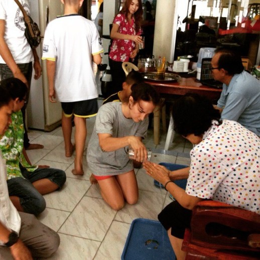 Songkran - Paying Respect to the Elders of Petchrungruang Gym - Pattaya