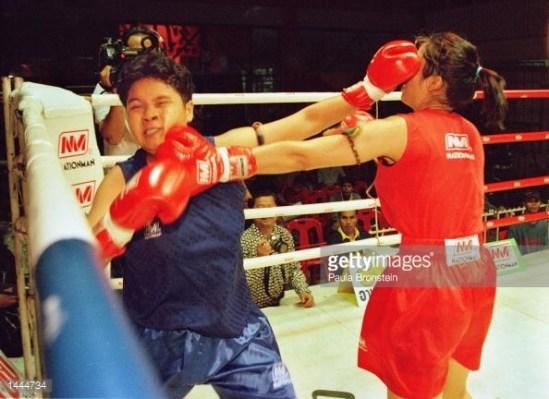 Female Muay Thai fight - Rangsit Stadium - May 2000