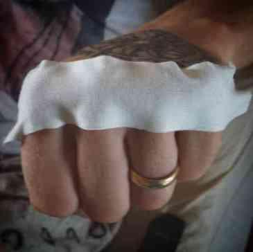 Barefisted Training - Muay Thai - Sylvie von Duuglas-Ittu-w1400