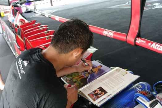 Attachai Fairtex autographs my 123 greatest boxers