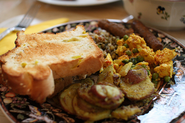 5b Breakfast Plates from Around the World