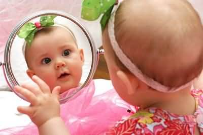 Funny-Baby-Watching-Mirror-Funny-Baby