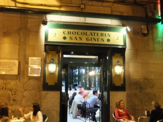 チョコラテリアサンヒネス外観00_3日目4サンヒネス_ある日本人観光客のスペイン旅行記