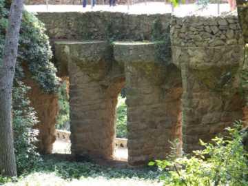 グエル公園04回廊_バルセロナ5-2ある日本人観光客のスペイン旅行記