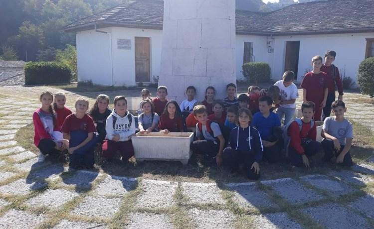 Shëtitje në Gjirokastrër- Klasa V