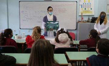 Μικροί μαθητές – μεγάλοι επιστήμονες (Γ' τάξη)
