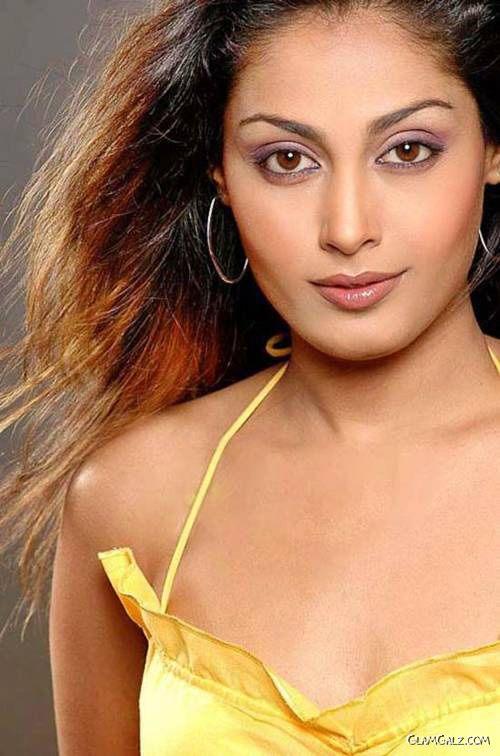 Pretty Tamil Actress Sniktha