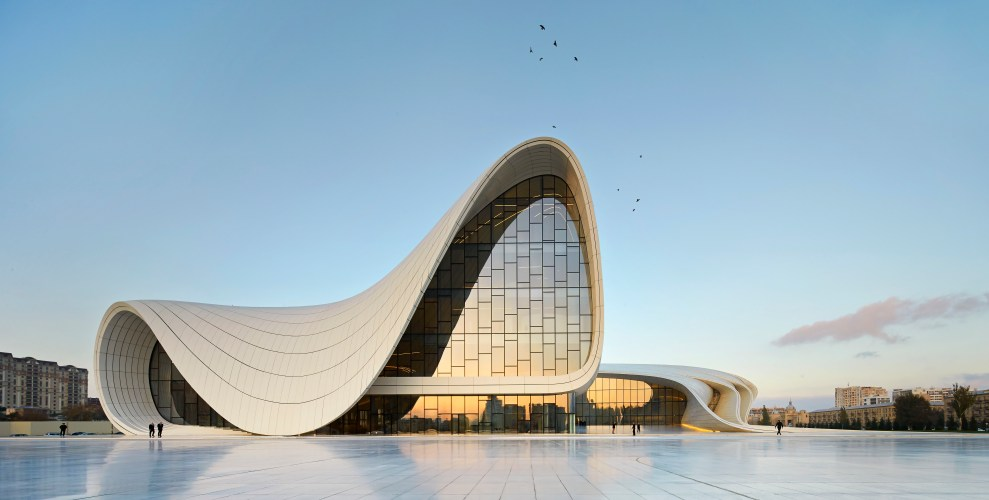 01.-Heydar-Aliyev-Center-Baku_photo-by-Hufton-Crow.jpg?fit=989%2C500