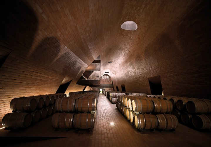 ARCHEA_CANTINA_ANTINORI_031_PS-Antinori-Winery-Archea-Associati-©-Pietro-Savorelli.jpg?fit=718%2C500