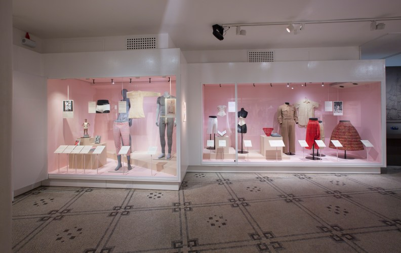 4._Installation_view_of_Undressed_A_Brief_History_of_Underwear_16_April_2016_-_12_March_2017_c_Victoria_and_Albert_Museum_London.jpg?fit=792%2C500