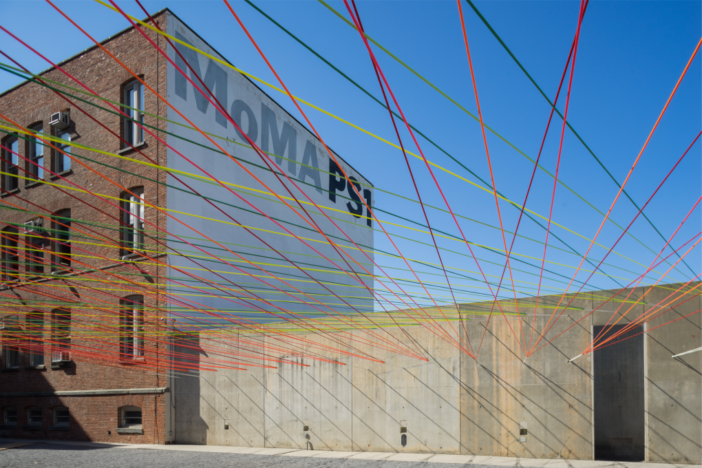 """Weaving the Courtyard"" por Escobedo Soliz Studio/Young Architects Program 2016. Imagen cortesía de los arquitectos y MoMA PS1. Foto por Pablo Enriquez."