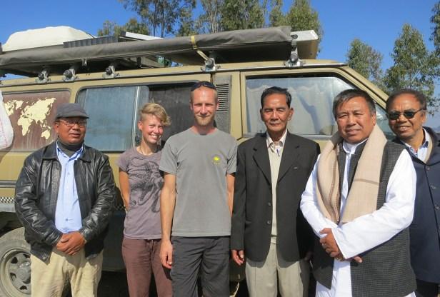 Wir und der Entwicklungsminister von Manipur (zweiter v.r.)