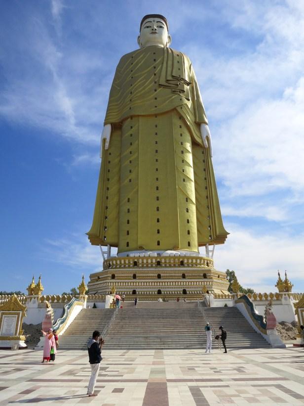 Wohl der höchste, stehende Buddha der Welt