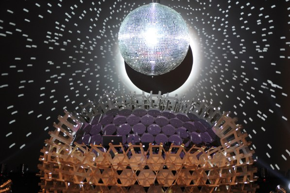 Bancada - Poncho Disco Experiment Malba - Estudio Normal