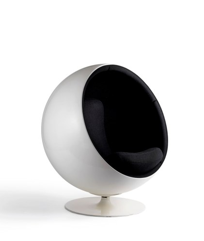 Design by Eero Aarnio. Ball Chair, 1963. Foto: Rauno Träskelin