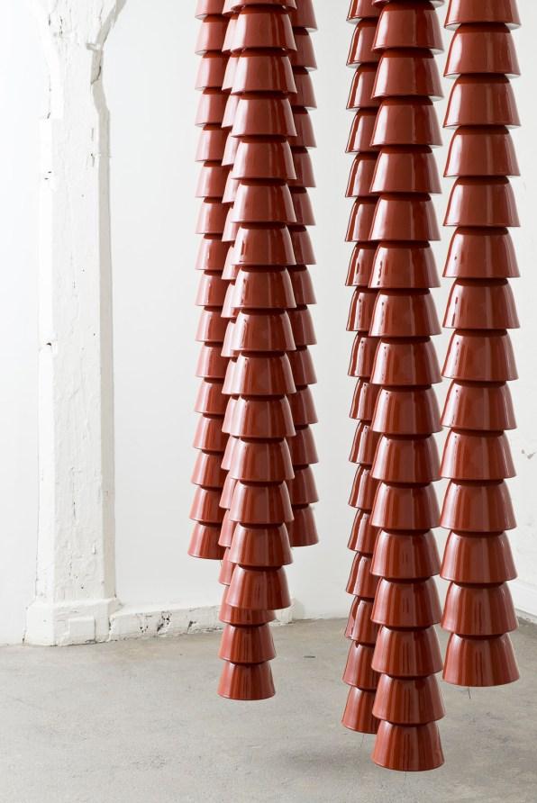 Chain de Ronan & Erwan Bouroullec - Gallerie Kreo