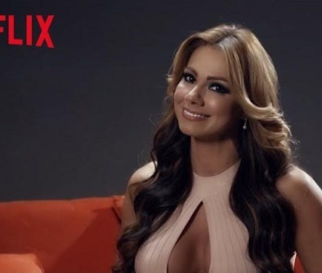 El Picante Video De Esperanza Gomez Y Netflix Para Que No La Den Tan Rapido
