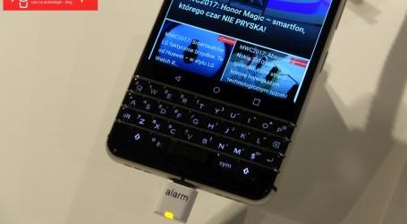 NA PROŚBĘ CZYTELNIKA: BlackBerry pokazuje, jak wygląda (KeyOne) gwóźdź do mobilnej trumny