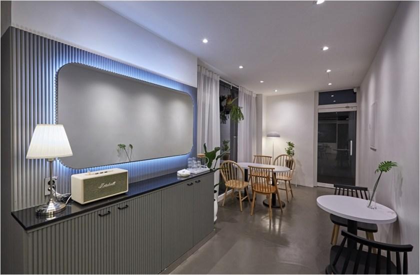 coffeshop interior