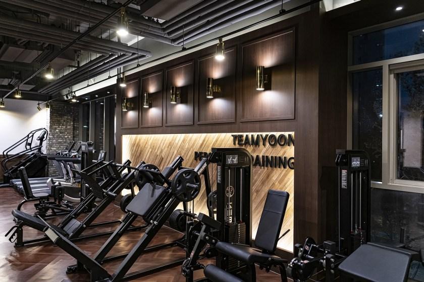 gym interior design idea