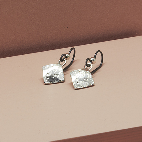 Ocean Earrings 925 tilted angle