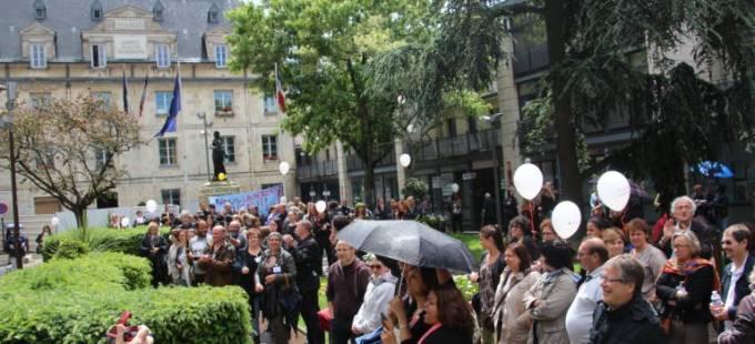 150 agents ont tenu le piquet de grève à la mairie de Villejuif