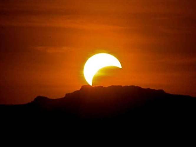 El eclipse parcial de sol podrá observarse esta tarde en la capital del país a partir de las 17:35 horas. Foto Especial