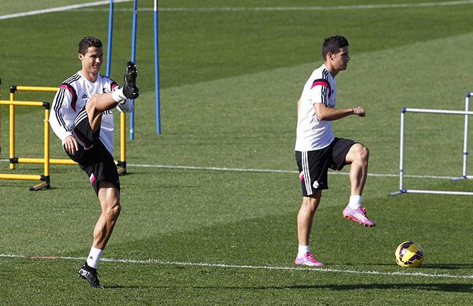 El partido entre Real Madrid y Barcelona se jugará este sábado a las 11:00 horas, tiempo de México (EFE)