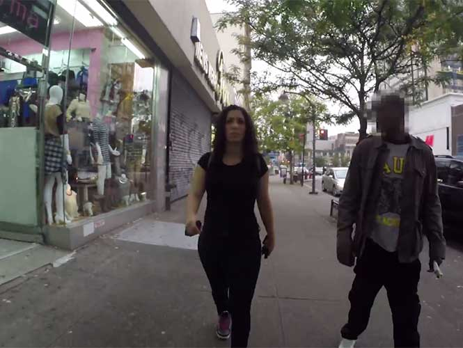 VIDEO: Neoyorquina denuncia piropos callejeros y desata polémica