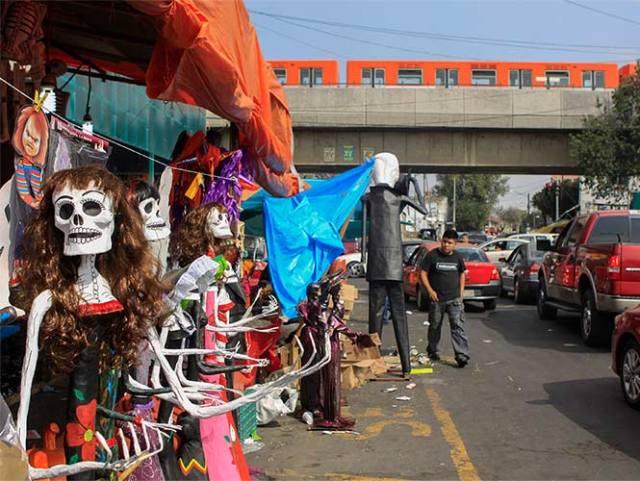 Oferta del Día de Muertos en el Mercado de Jamaica