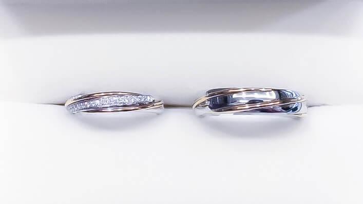 玫瑰金和鉑金中間鑲嵌小鑽,斜紋款增添變化。(Photo by Natalie)