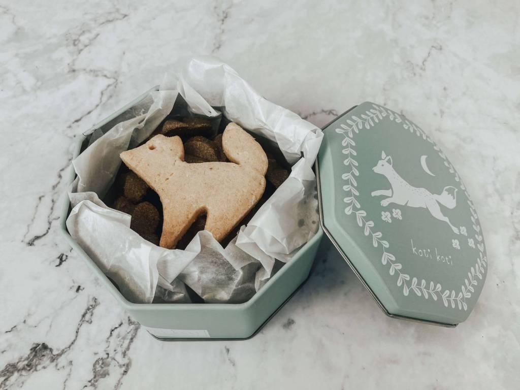 手工喜餅-鐵盒餅乾-彌月禮盒-手工餅乾-童話-手繪-動物餅乾-伴手禮-禮物-下午茶-甜點-北歐