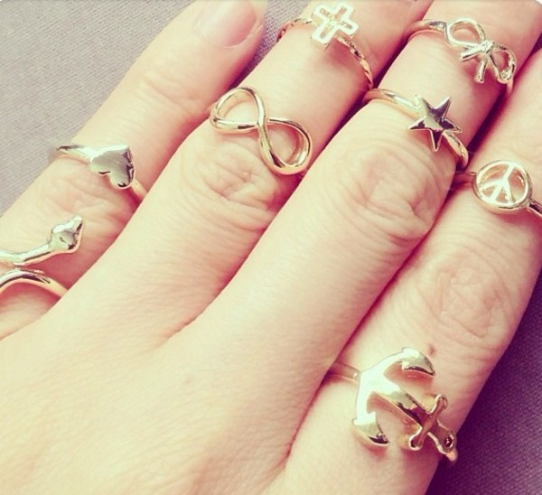 Golden-Knuckle-RingsWedding-Dress-Miami. Bridal-Boutique-Miami. Luxury-Wedding. Bride. Personal-Look