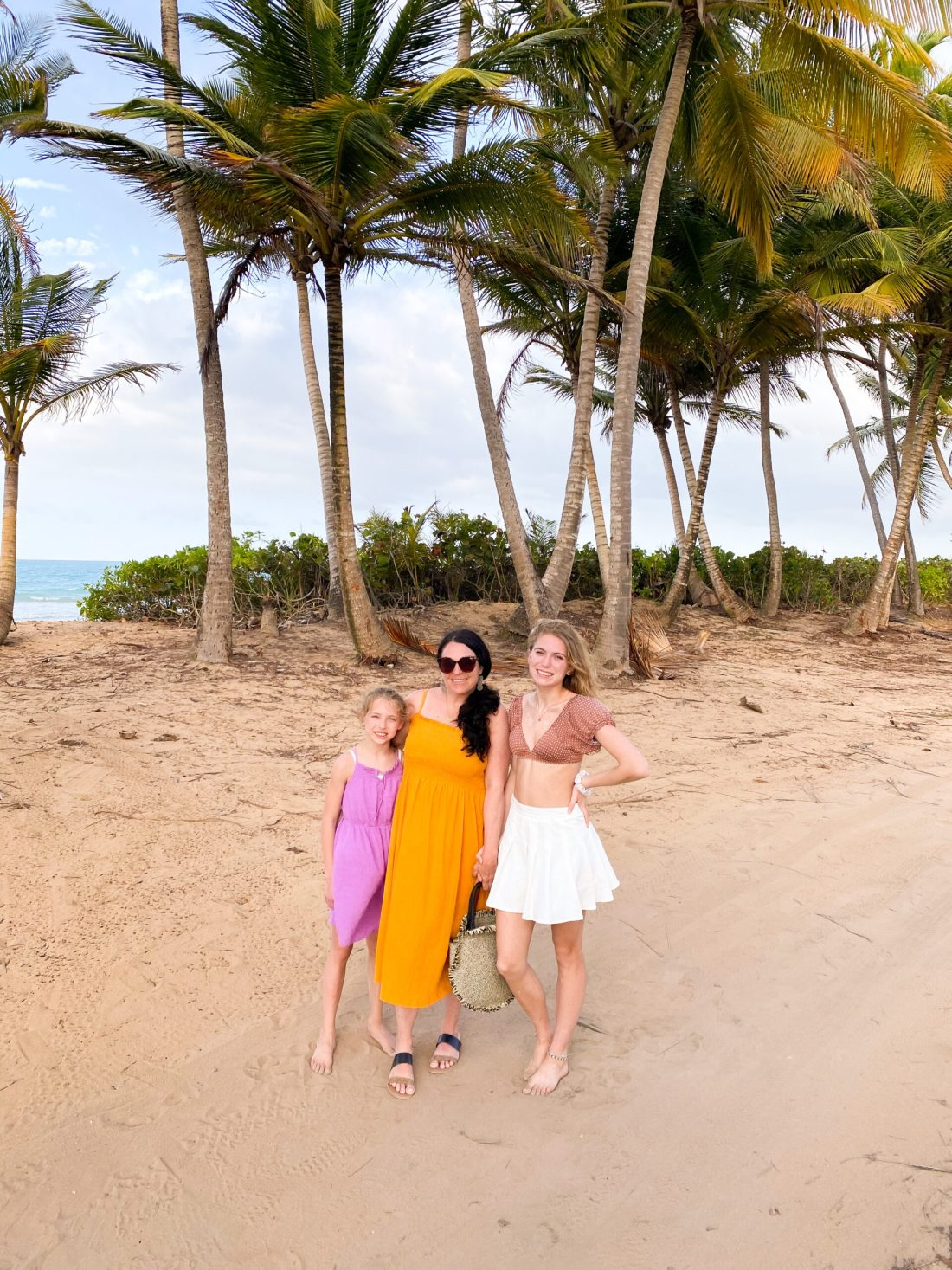 What to Pack to Puerto Rico and a few essential must haves to include in your travel bag for a successful trip to Puerto Rico, what to wear in Puerto Rico, colorful summer dresses, leopard dress   Darling Darleen  CT Top Lifestyle Blogger