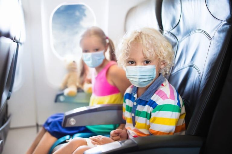facemasks-on-planes