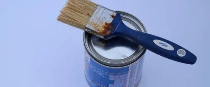 How long does oil based paint take to dry?