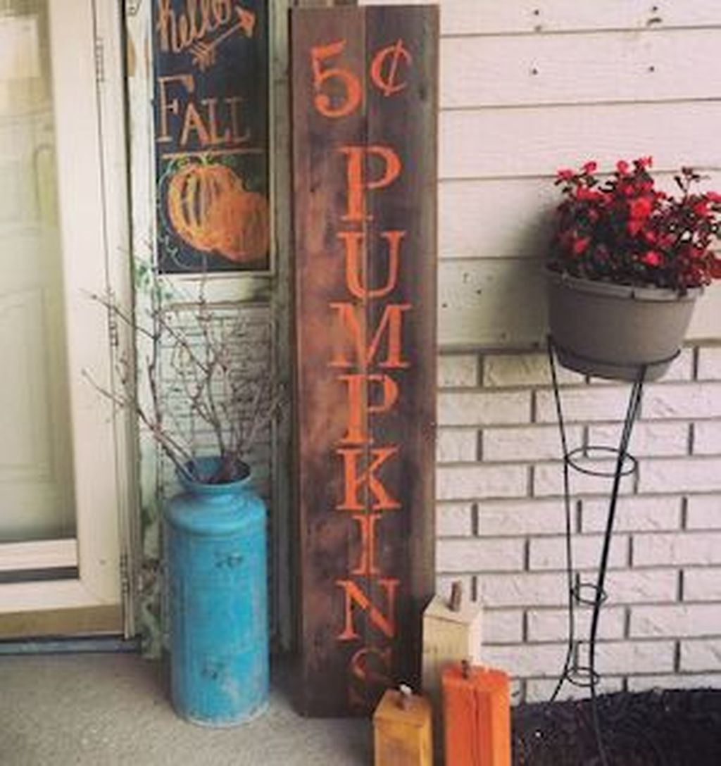 Easy But Inspiring Outdoor Fall Decoration Ideas 15