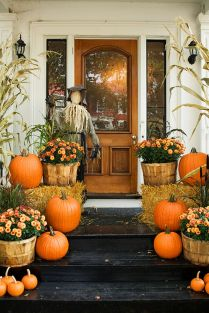 Easy But Inspiring Outdoor Fall Decoration Ideas 63